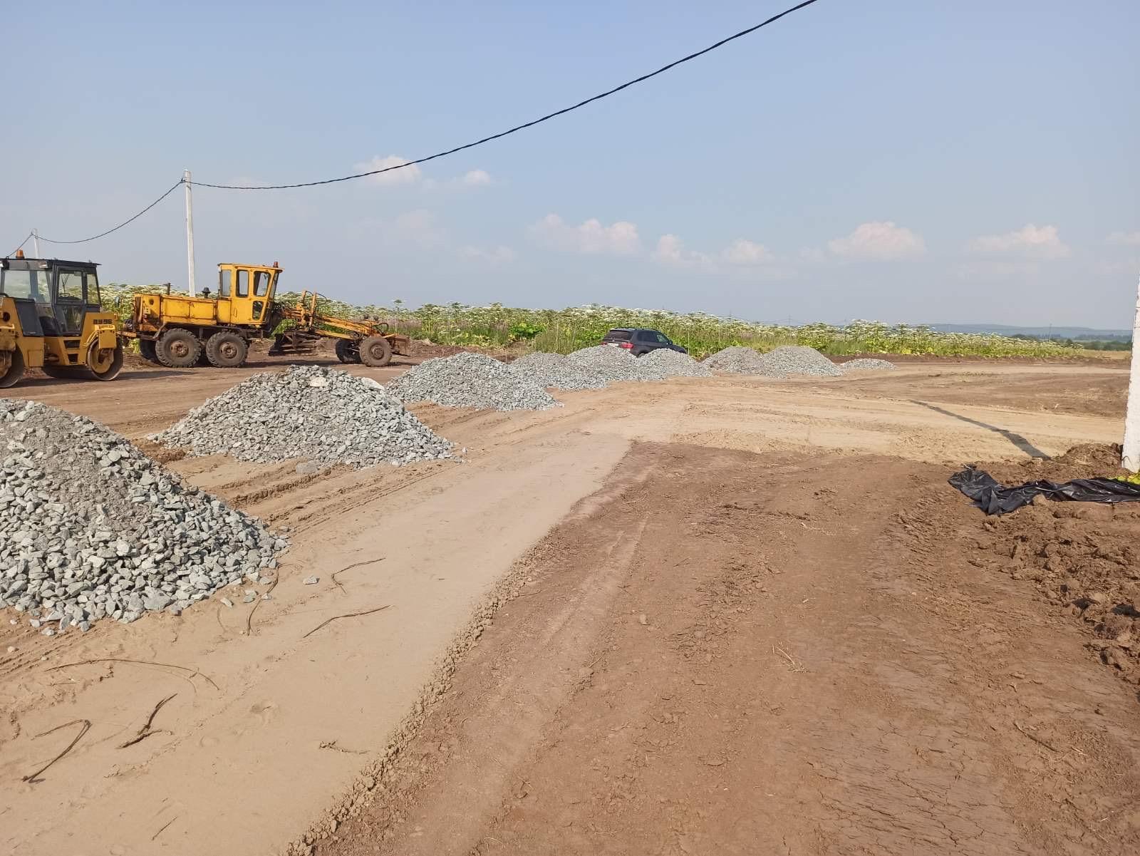 Продолжается строительство внутрипоселковых дорог